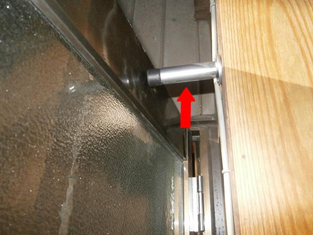 ドアに戸当たりゴム取付工事 施工事例 名古屋