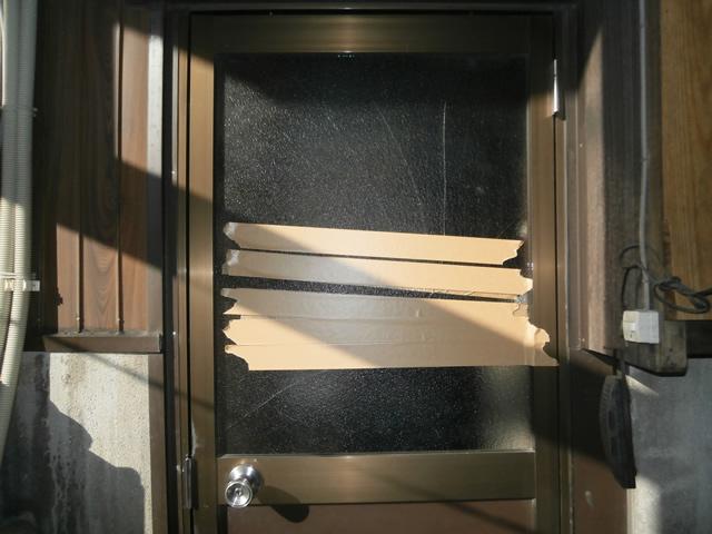 ドアのガラス修理、交換 施工事例 名古屋