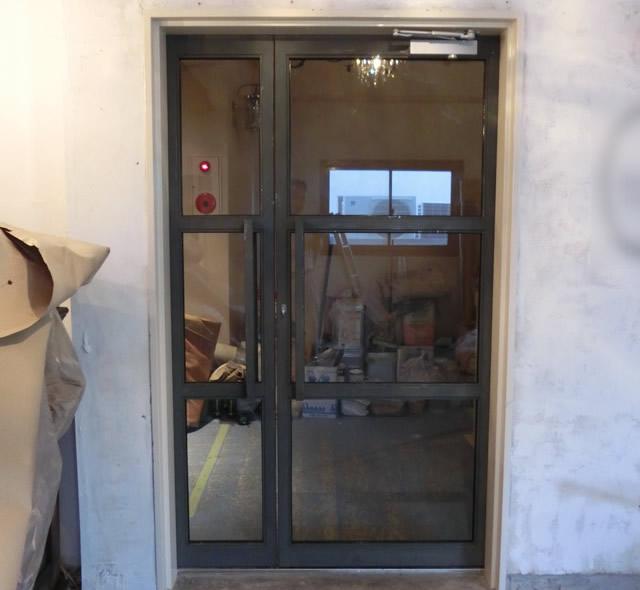 店舗入口ドア改修工事 スチール框ドア 施工例 名古屋