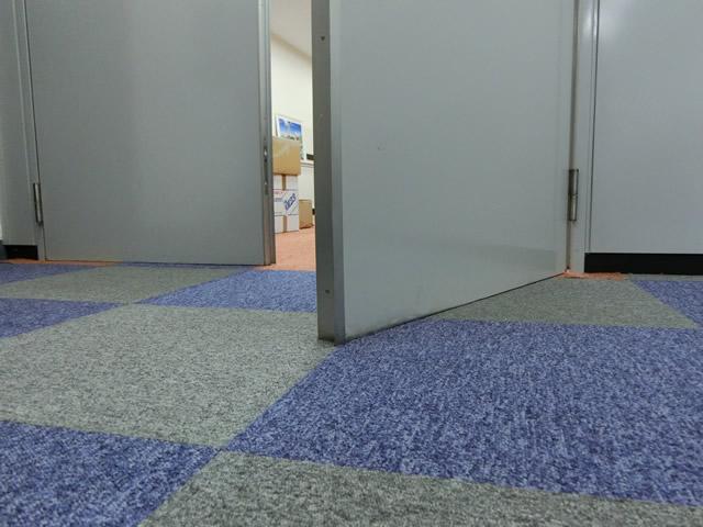 ドア下部が床に擦る 丁番修理、交換 施工例 名古屋