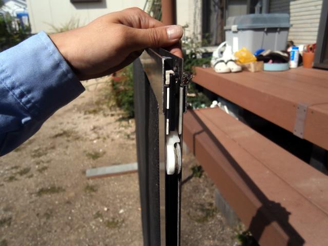 リクシル デュオPG引違い窓用網戸の戸車交換 施工例 名古屋