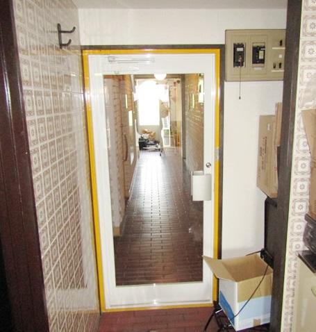 名古屋市千種区 I様店舗【LIXIL】クリエラガラス 玄関ドア 取替工事 施工後