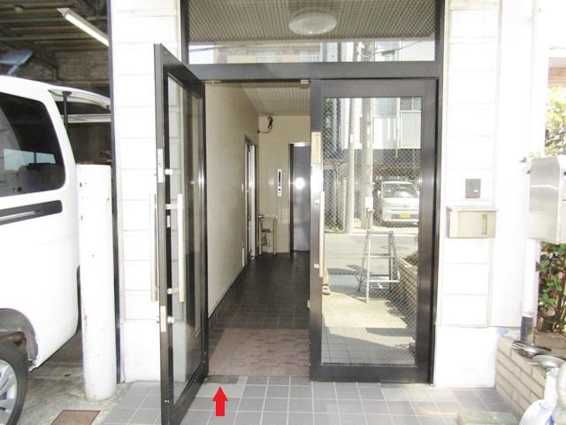名古屋市中川区 K社 フロアヒンジ取替工事 施工前