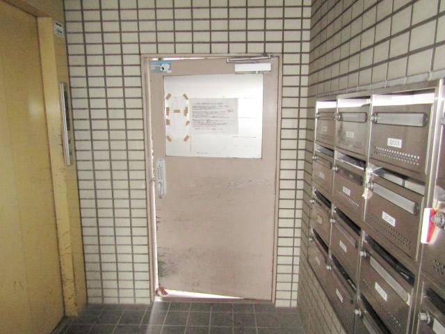 名古屋市熱田区 某マンション スチールドア 内側 施工前