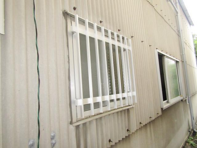 名古屋市北区 アルミたて面格子 シルバー 取付工事 施工後