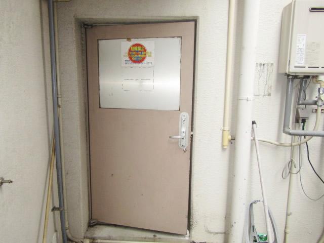 名古屋市熱田区 某マンション スチールドア 外側 施工前