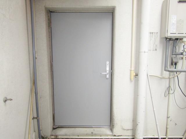名古屋市熱田区 某マンション スチールドア 外側 施工後