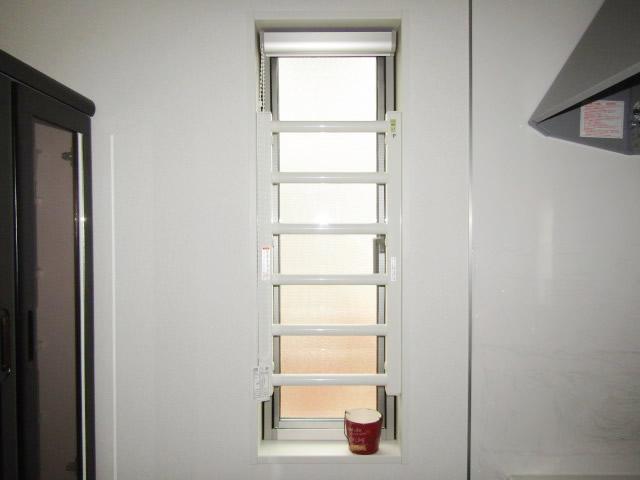 江南市 リクシル 室内面格子 固定式 ホワイト 取付工事 施工後