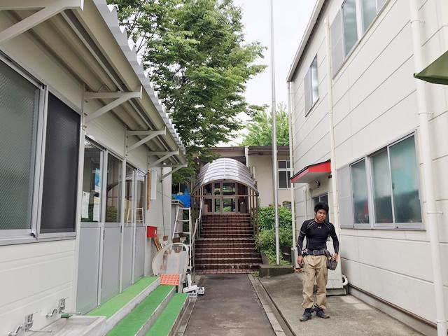 名古屋市港区 カーポート新設 リクシル フーゴRレギュラー 27-50型 2縦連棟 施工前