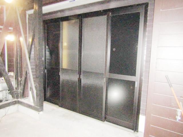 名古屋市港区 事務所出入口 開き戸→引戸へ取り替え 施工後