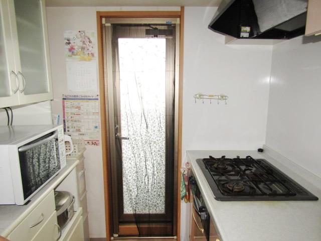 名古屋市熱田区 室内収納網戸→開き網戸 取り替え工事 施工前