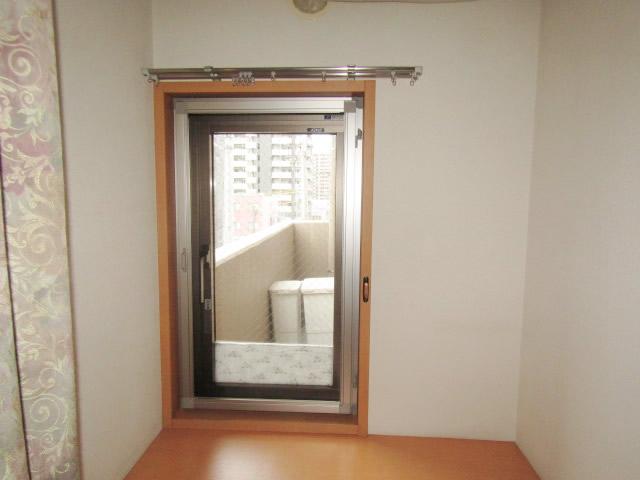 名古屋市熱田区 室内収納網戸→開き網戸 取り替え工事 施工後