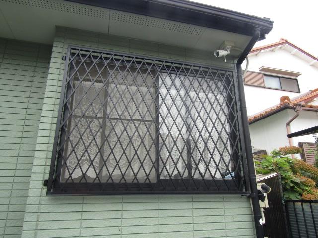 愛知郡東郷町 ヒシクロス面格子 腰高引違い窓 取付工事 施工後