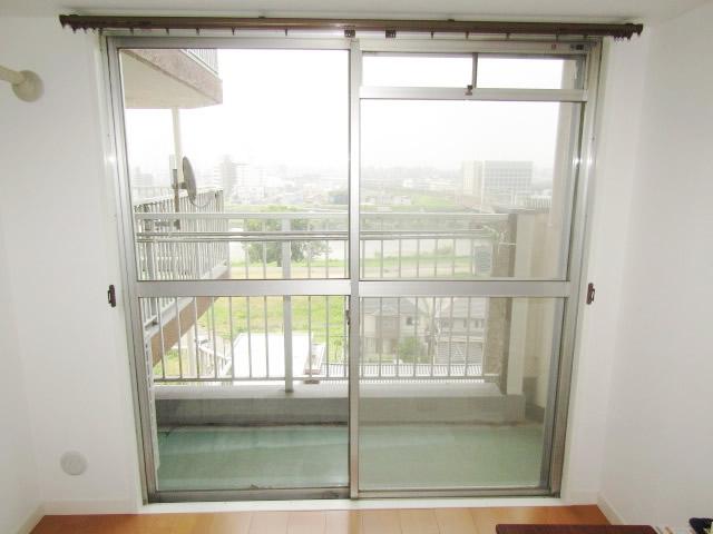 清須市 リクシル インプラス 引違い窓2枚建て ペアガラス3mm+5mm ホワイト 施工前
