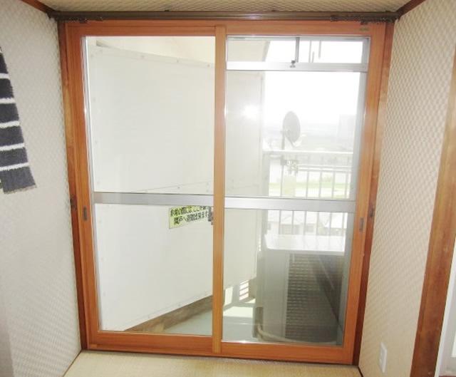 清須市 リクシル インプラス 引違い窓2枚建て ペアガラス3mm+5mm ニュートラルウッド 施工後