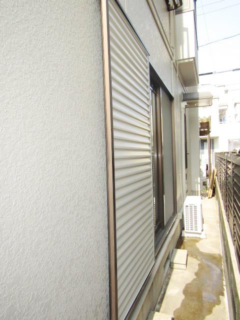 名古屋市瑞穂区 不二サッシ エコシリーズ エコ雨戸 下鍵付き ステングレー 施工前