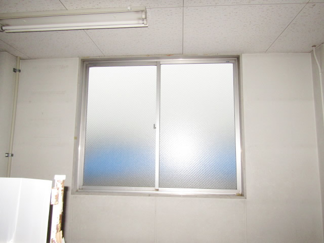 名古屋市港区 ガラス割れ替え工事 網入り型ガラス6.8 施工後