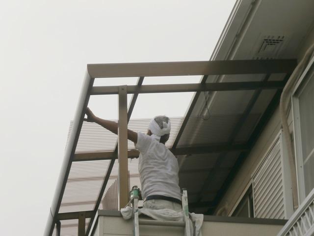 名古屋市中川区 ベランダ テラス波板屋根 張り替え工事 施工中