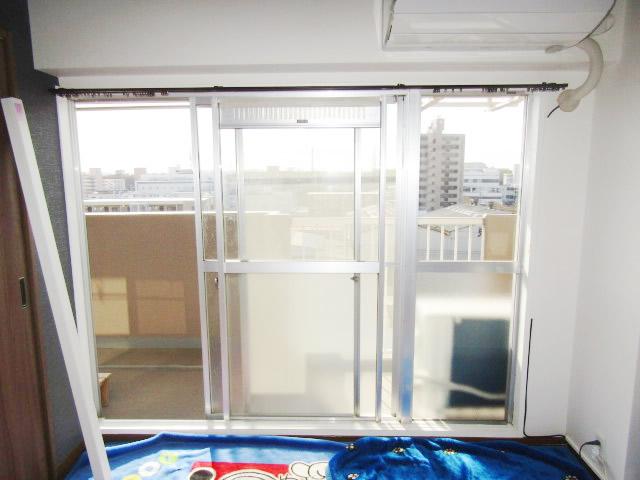 名古屋市南区 インプラス 2枚引違窓+FIX窓 キャラメルウッド 施工前