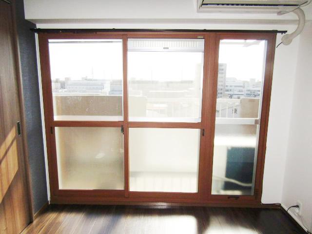 名古屋市南区 インプラス 2枚引違窓+FIX窓 キャラメルウッド 施工後