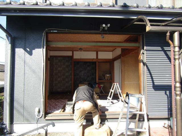 名古屋市港区 サッシ取り替え カバー工法 施工中