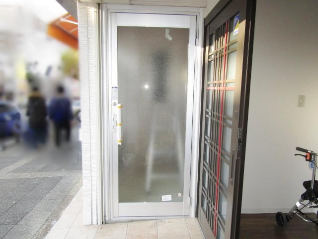 名古屋市昭和区 玄関扉取り替え クリエラガラスドア 防犯ラミレックス30 施工後