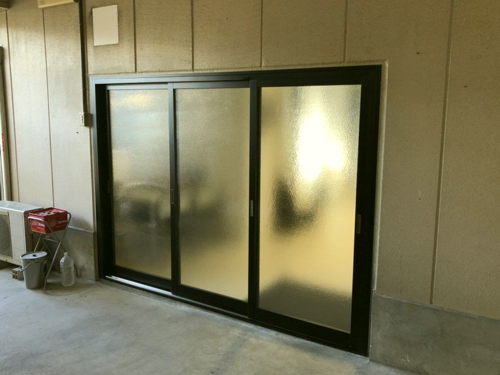 愛知県岡崎市 店舗 入り口ドア カバー工法 ドア取替工事