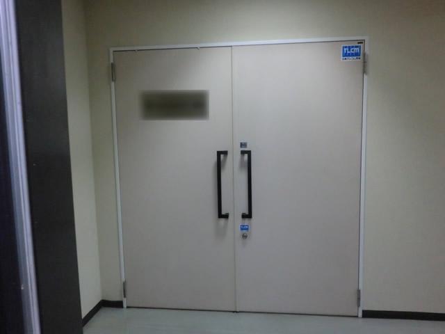 テンパードアへの取替工事 事務所入口 施工事例 名古屋