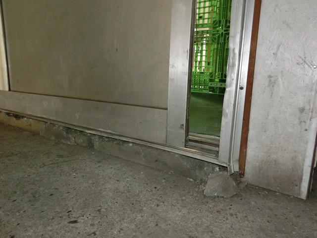 上吊りタイプのアルミハンガー引戸取替工事 施工例 東海市