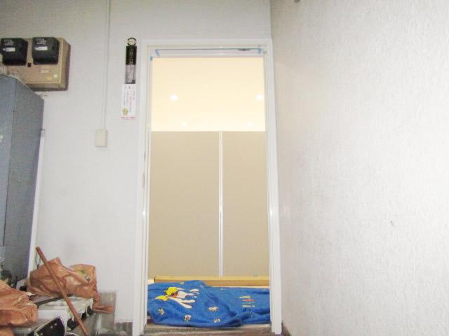 名古屋市中区 店舗 クリエラガラスドア取付 施工中