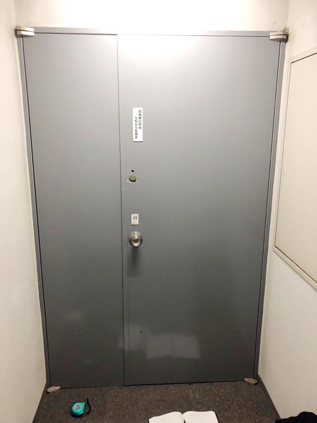 名古屋市中区 スチールドア(SD)→ 軽量スチールドア(LSD)取り替え工事 施工前