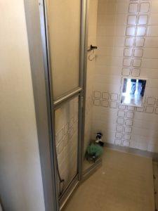 名古屋市名東区浴室ドア交換工事 施工前 三協アルミ浴室リフォーム用中折れ戸 修理