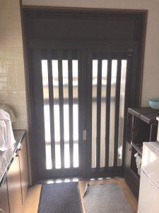 名古屋市 玄関ドア カバー工法 ドアリフォーム工事 引き違いの窓サッシをやめて玄関引戸に