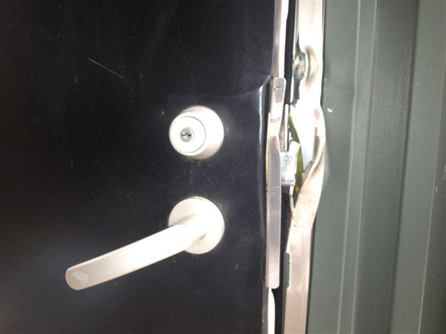 侵入盗被害 ドア取替工事 名古屋市