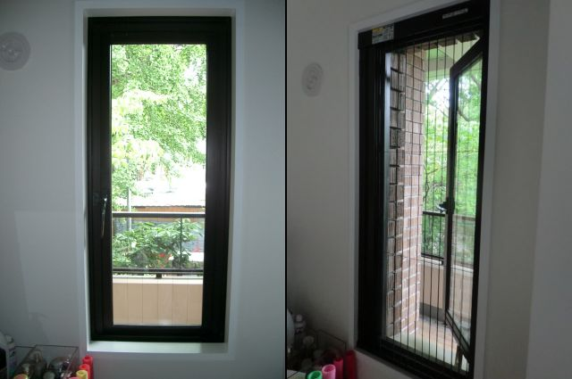 縦すべり出し窓に 横引きアコーディオン網戸取付工事 名古屋市