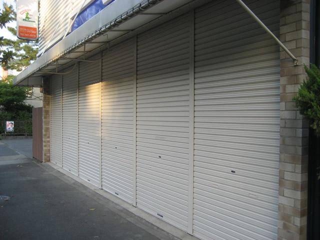 店舗の軽量シャッター取替工事 名古屋市