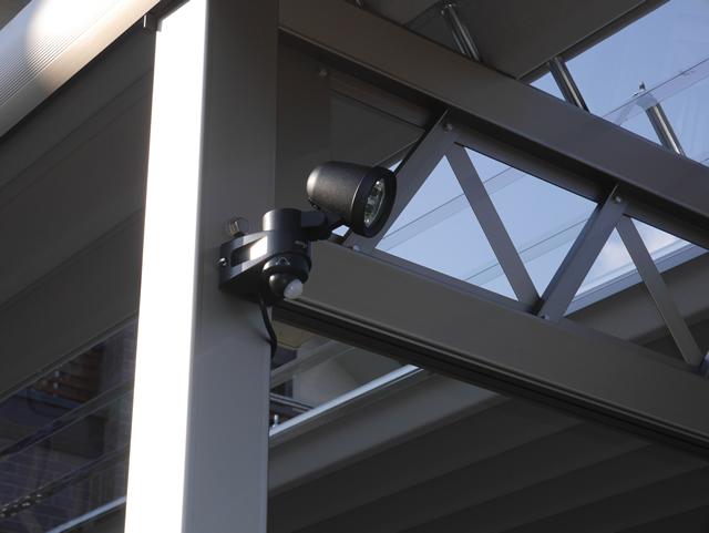 外回りの防犯対策 人感センサーライト取付工事 カーポートに照明取付工事 名古屋市