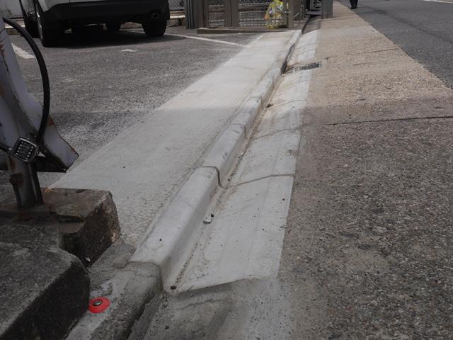 駐車場のコンクリート土間工事 アスファルトひび割れ補修 名古屋市