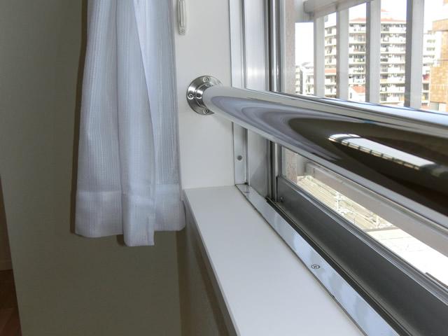 窓の転落防止柵 ステンレス手摺り取付工事 名古屋市