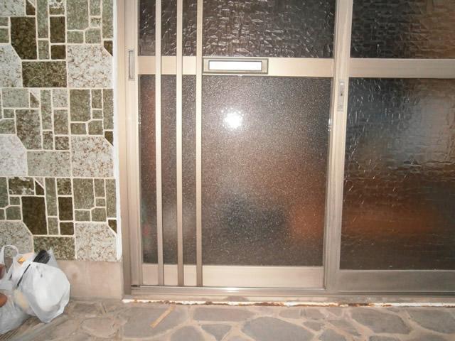 玄関引戸の硝子修理、交換 名古屋市港区