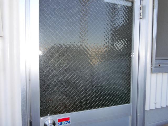 ガラス修理、交換 網入り型ガラス 名古屋市中川区
