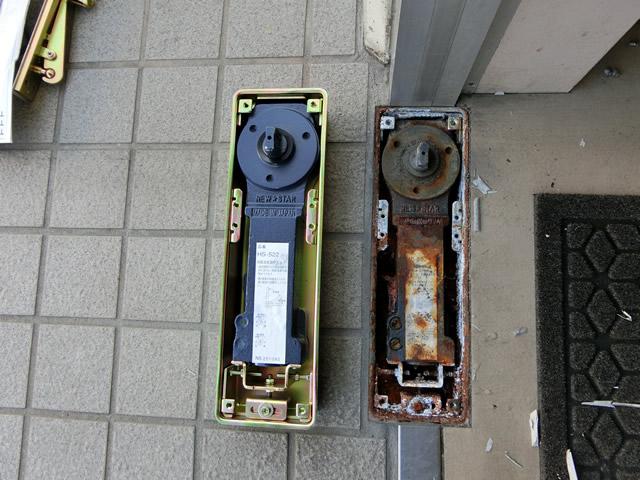 事務所入口ドアのフロアヒンジ取替工事 名古屋市港区