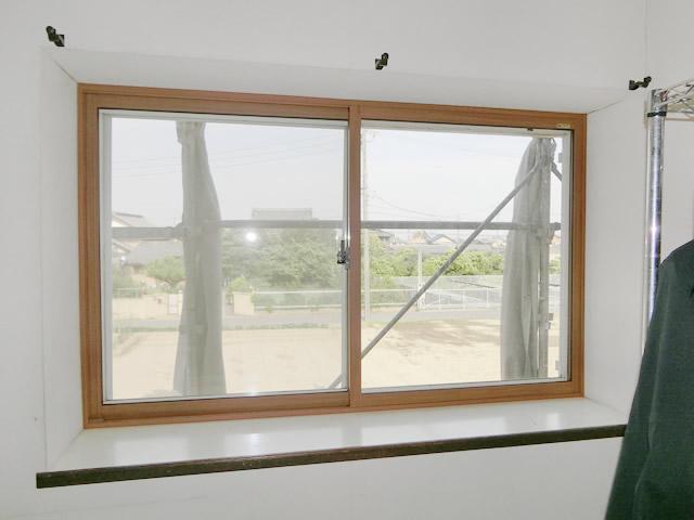 出窓の結露対策<1> LIXIL内窓インプラス工事 一宮市