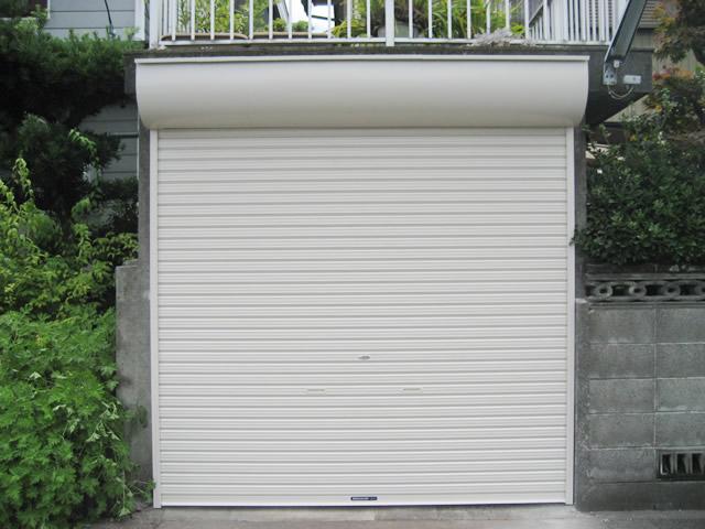 ガレージの手動シャッター取替工事 名古屋市港区