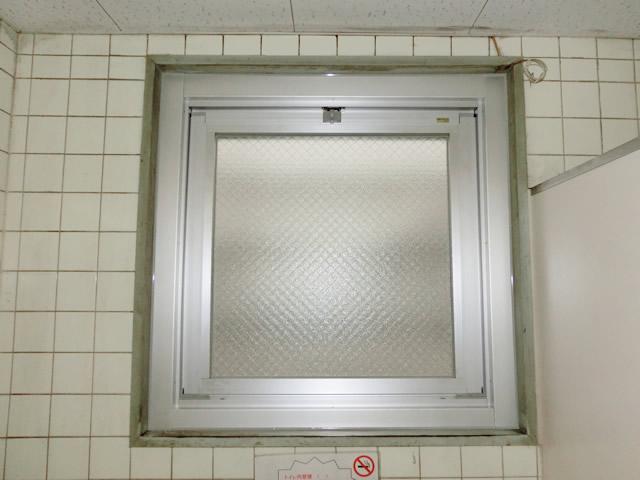 サッシカバー工法による内倒し窓取替え工事 弥富市