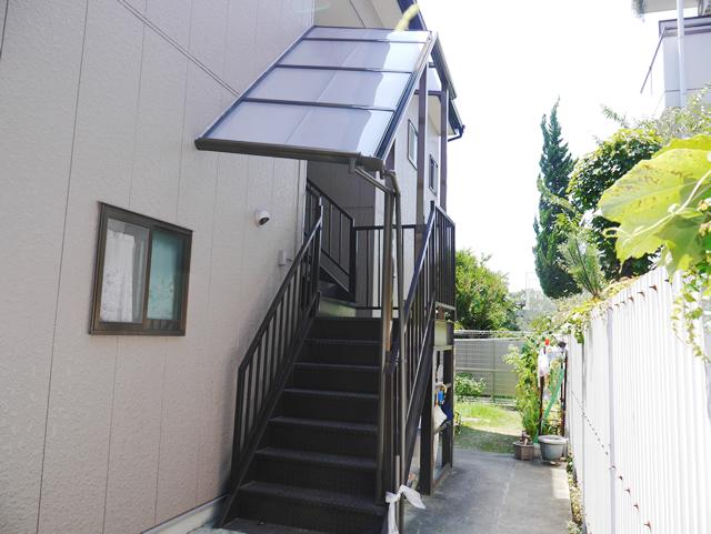 LIXILパワーアルファ アパート外階段に屋根取付工事 名古屋市中川区