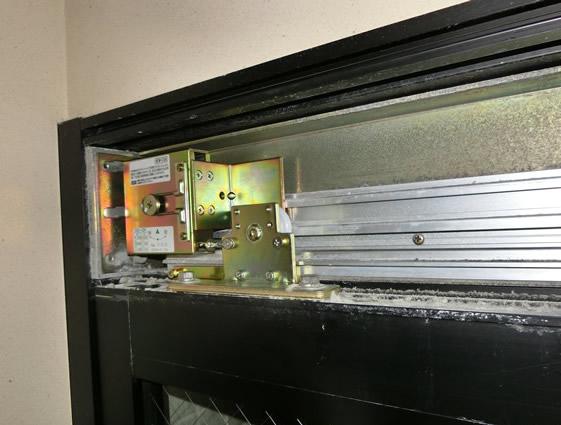 浴室引戸クローザー修理、交換 名古屋市中区