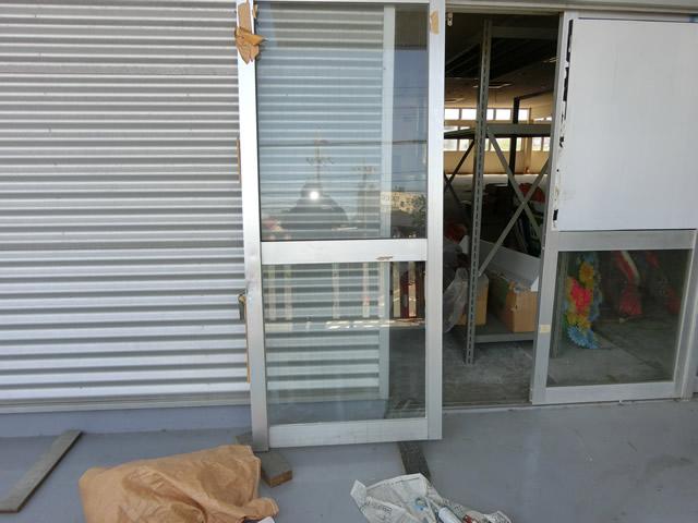 サッシのガラス修理、交換 網入り透明ガラス 名古屋市緑区