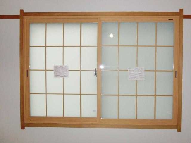 LIXIL内窓インプラス 和紙調格子入り複層ガラス 春日井市