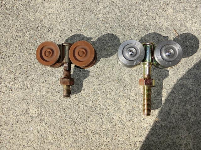 倉庫ハンガー引戸の戸車修理、交換 名古屋市中村区